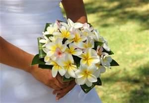 hawaiian wedding flowers hawaiian wedding bouquet weddings in hawaii