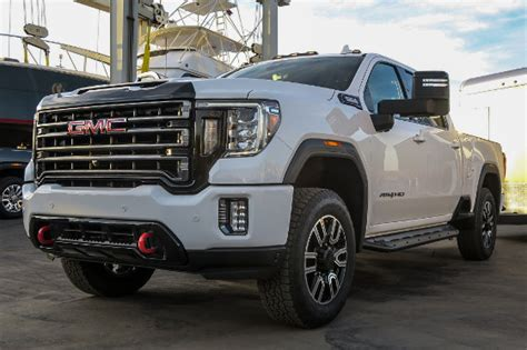 2019 gmc 3 4 ton truck 2020 gmc 2500 3500 pull boats at reveal