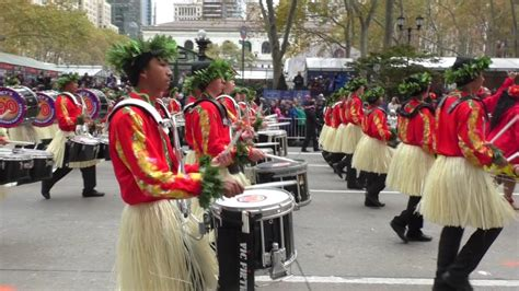 thanksgiving day paradenychawaii  state marching