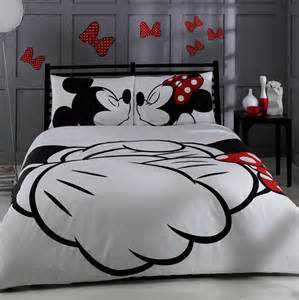 Mickey And Minnie Bed Set and bedding designs