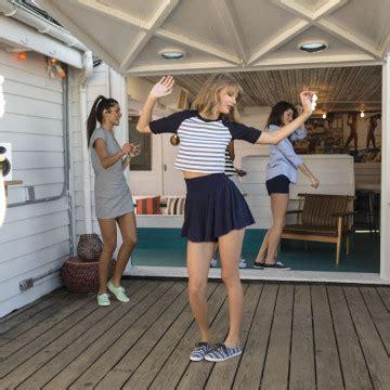 Taylor Swift participa de sessão de fotos de nova campanha ...
