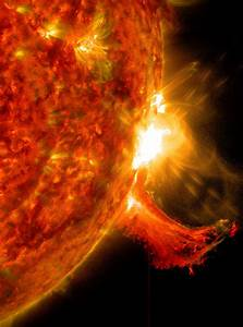 NASA Spacecraft Watches as Sun Belches Spectacularly - ImaGeo