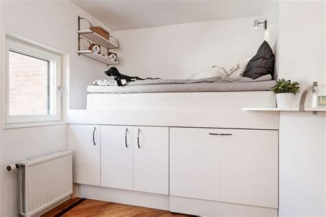 Hochbett Erwachsene Mit Schrank by Modernes Hochbett Mit Eingebautem Schrank Im Kinderzimmer