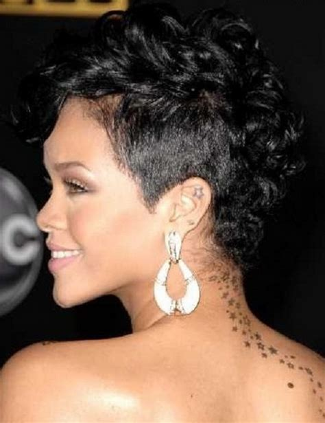 very short naturally curly hairstyles