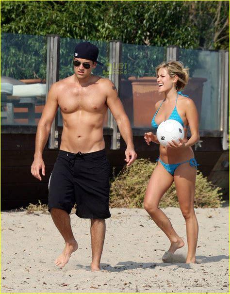 Nick & Kristin are Beach Bums: Photo 515791