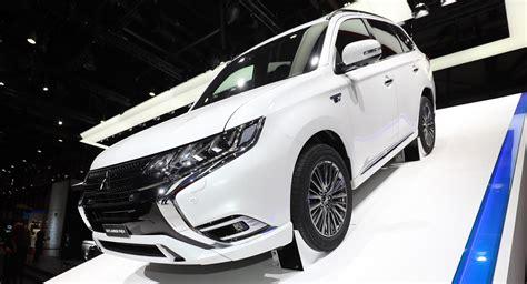 2019 Mitsubishi Outlander Phev Looks The Same But Has New