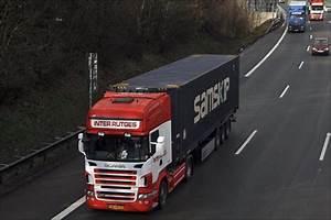 45 Fuß Container : dieser niederl ndische scania topline r420 bringt einen 45 fu container in richtung s den ~ Whattoseeinmadrid.com Haus und Dekorationen