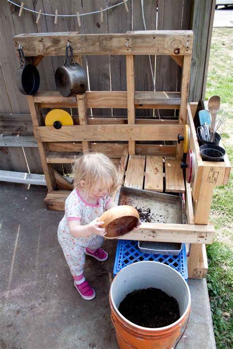 fabriquer cuisine fabriquer une cuisine en bois pour enfant myqto com