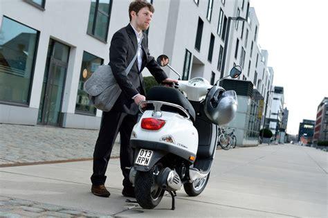 e bike kennzeichen ab 1 m 228 rz neue kennzeichen f 252 r mofas roller und e bikes