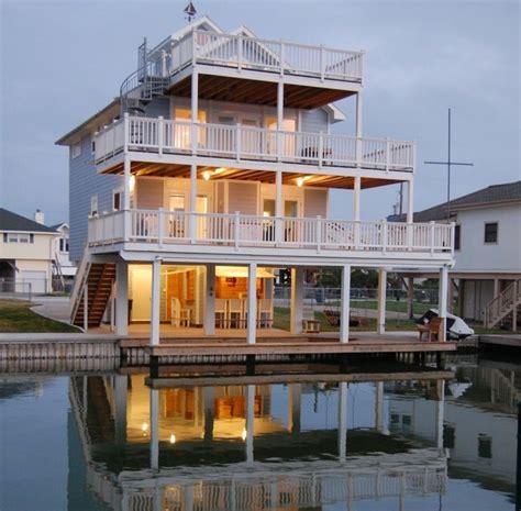 Airbnb Boat Rental Galveston Tx by Luxury Bayhouse On Canal 4 Bed Sleeps 14 Galveston