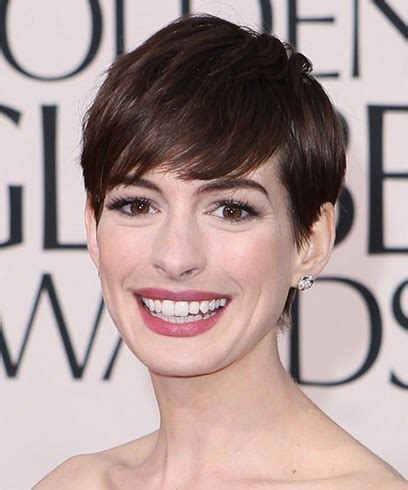 I absolutely love anne hathaway's new short haircut. Anne Hathaway Hairstyles That Can Be Easily Replicated