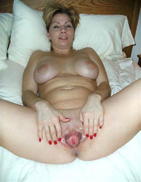 S Cin2194  In Gallery Mom Milf Spreading Her Legs Wide