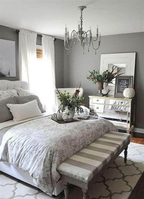 Awesome 35 Farmhouse Master Bedroom Decorating Ideas Https