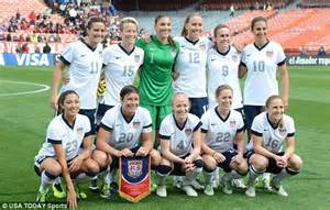 Now that's TEAM SPIRIT! Lucky soccer fans give US women's ...
