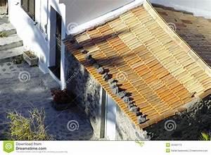 Auf Dem Dach : die steine auf dem dach stockbild bild von unfall demoliert 45492173 ~ Frokenaadalensverden.com Haus und Dekorationen