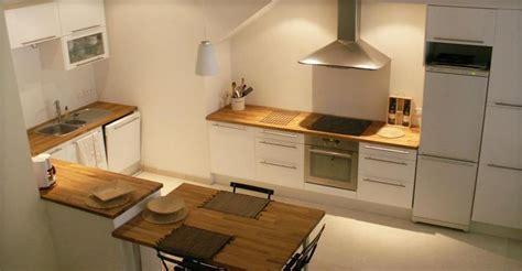 table plan de travail cuisine cuisine avec table et plan de travail en bois nathalie