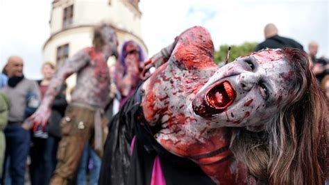 zombie zombies days walk wipe would humanity take much duesseldorf finds study pretty sutherland call carter duty bonham helena getty