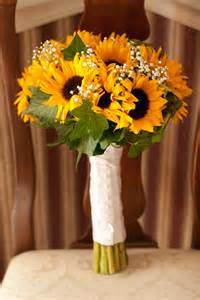 sunflower wedding ideas 25 best ideas about sunflower bouquets on country wedding bouquets