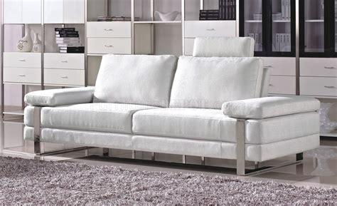 White Fabric Modern 7095 Sofa Woptional Loveseat Chair