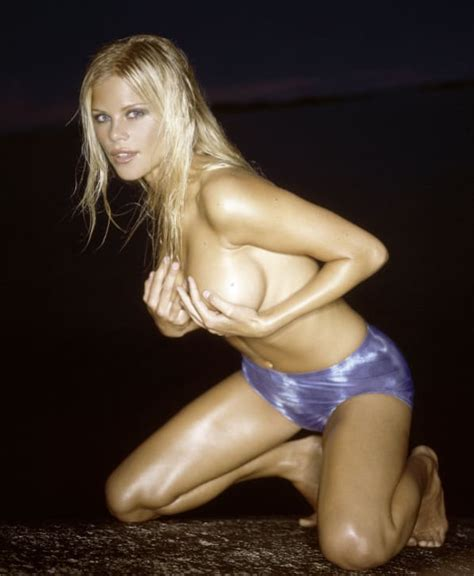 13 Sexiest Elin Nordegren Photos - Page 2 - The Hollywood Gossip
