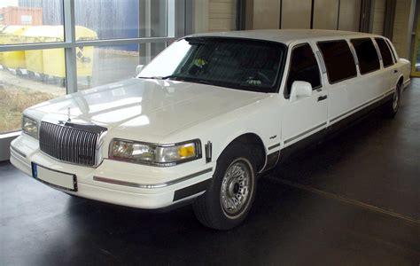 Stretch Limousine by Stretch Limousine
