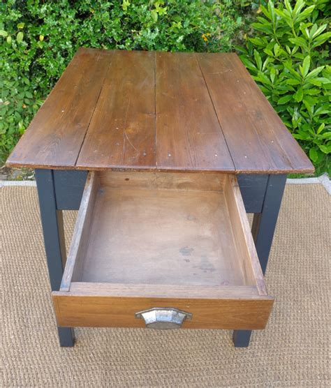 table cuisine tiroir table cuisine tiroir table de cuisine avec un