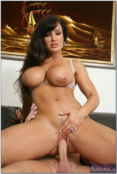 Gorgeous Wife Lisa Ann Cheating And Gets Her Milf Pussy