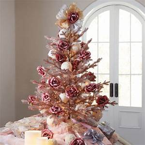 Rose Gold Decor : white and rose gold christmas decorations ~ Teatrodelosmanantiales.com Idées de Décoration