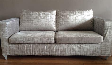 coussin sur canapé gris coussin pour canapé