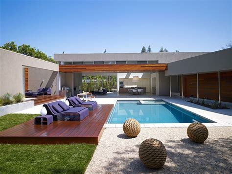 Harmonious House With Swimming Pool Design by Modern U Shaped Residence Built Around A Central Leisure