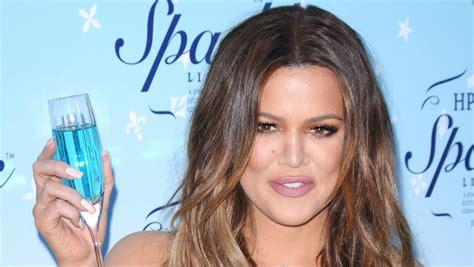 Khloé Kardashian luce imponente trasero desnudo | El ...