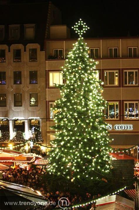 weihnachtsbaum mit beleuchtung weihnachtsbeleuchtung