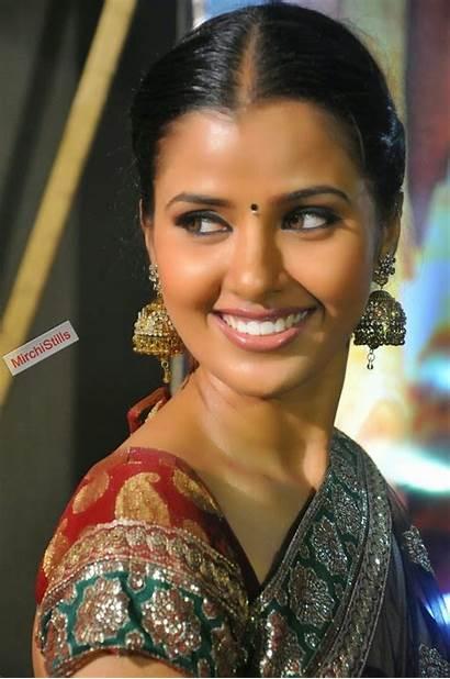 Tamil Actress Jennifer Stills Mirchi