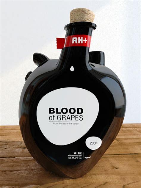 Vīna pudele cilvēka sirds formā