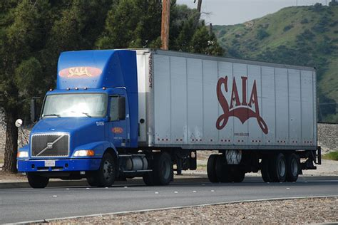 volvo 18 wheeler trucks saia volvo big rig truck 18 wheeler flickr photo