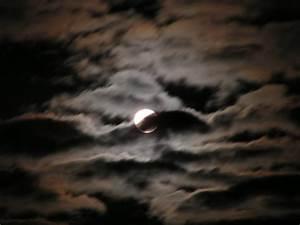 In Welchem Zeichen Steht Der Mond : bild mond stille wolken fotografie von robert wolter ~ Lizthompson.info Haus und Dekorationen