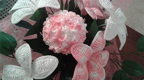 fiori fatti a uncinetto fiore farfalla