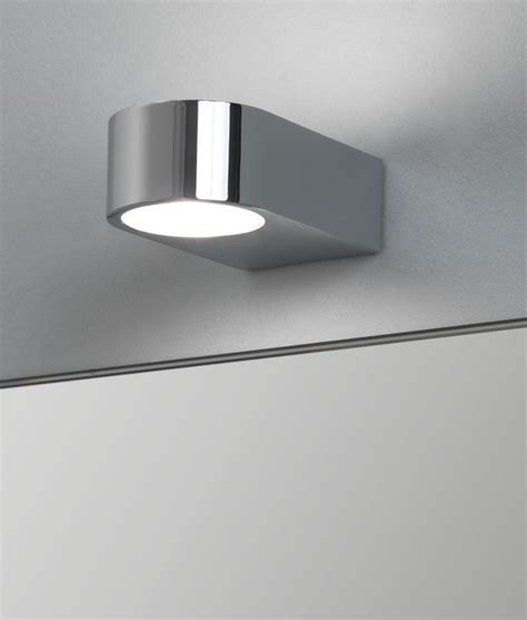single bathroom    wall light