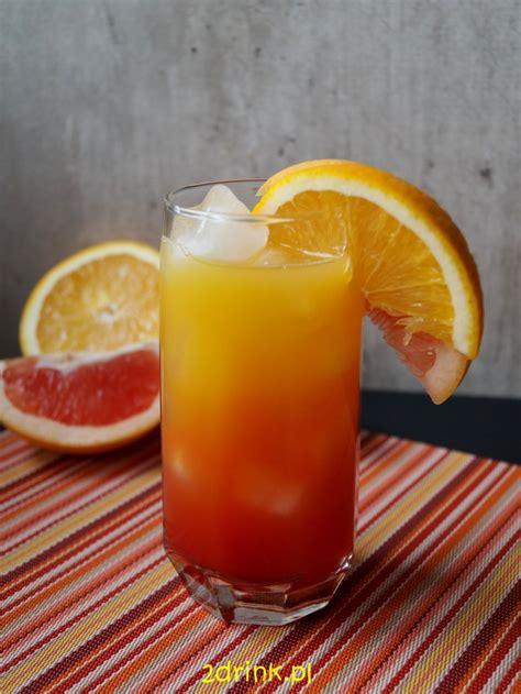 White creme de menthe, malibu rum, white creme de cacao, mint sprig. Malibu Sunrise - przepis na drink | 2DRINK.PL