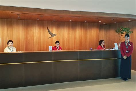 Pier Lounge by Review Cathay Pacific The Pier Business Class Lounge