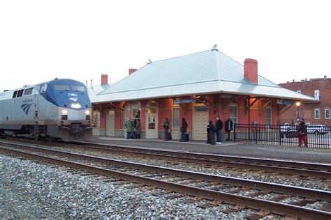 Amtrak To Chicago Will Go Wireless