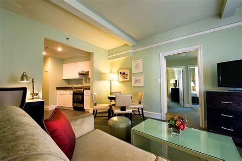 Hotels With 2 Bedroom Suites by Best Family Hotels In New York City Family Travel
