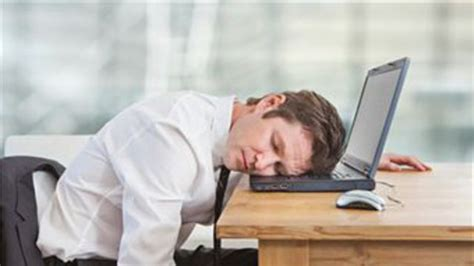 sieste bureau comment optimiser sa sieste au bureau l 39 express l 39 entreprise