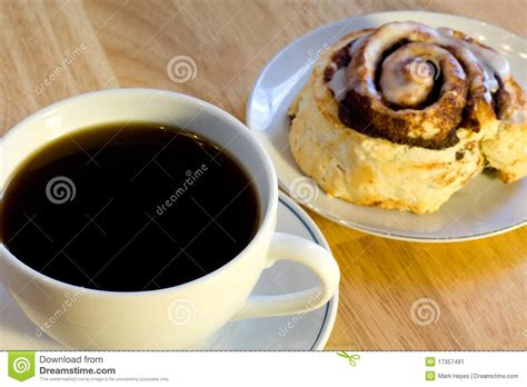 Coffee And Cinnamon Roll Stock Image   Image: 17357481