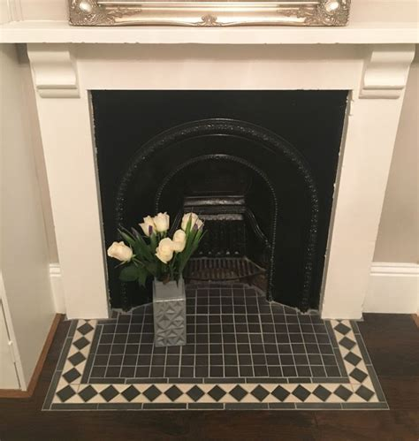 Fireplace Tiles And Hearths by Best 25 Hearth Tiles Ideas On Pinterest Fireplace