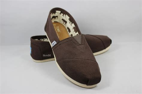 new toms original new authentic toms s classics chocolate canvas shoes