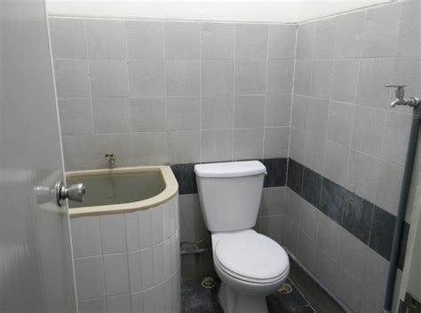 model desain kamar mandi sederhana kecil  mungil