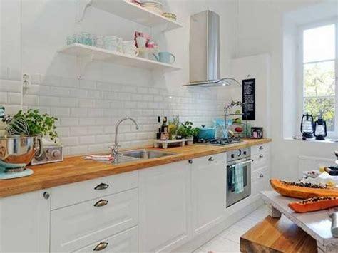 cuisine blanche plan de travail bois cuisine blanche et plan de travail style scandinave