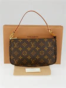 louis vuitton monogram canvas accessories pochette bag