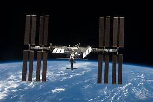 APOD: 2009 April 6 – The International Space Station ...